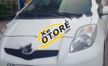Cần bán gấp Toyota Yaris 1.3 AT đời 2011, màu trắng, xe nhập, 398 triệu