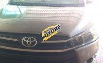 Xe Toyota Innova sản xuất 2017, màu vàng
