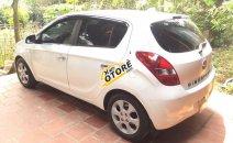 Bán Hyundai i20 AT 1.4 đời 2011, màu trắng xe gia đình, giá chỉ 295 triệu