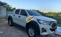 Cần bán Toyota Hilux sản xuất năm 2019, màu trắng, xe nhập, giá 670tr