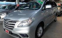 Bán xe Toyota Innova 2.0E 2014, màu bạc, bảo hành chính hãng, giá thương lượng