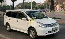 Bán Nissan Grand livina 2011, màu trắng, chính chủ
