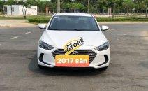 Cần bán gấp Hyundai Elantra năm 2017, số sàn