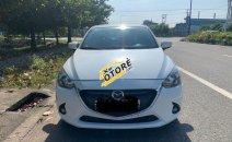 Cần bán gấp Mazda 2 đời 2015, màu trắng, xe nhập chính chủ