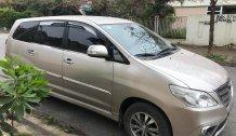 Cần bán Toyota Innova E 2016, màu vàng 410tr